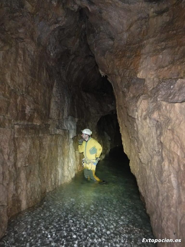 Colocación de Sensores en el Sector 1º de la Cueva de Chorros, 02-03-2019